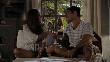 Isabel e Amadeu implicam um com o outro - Os dois garantem que não querem se envolver com ninguém