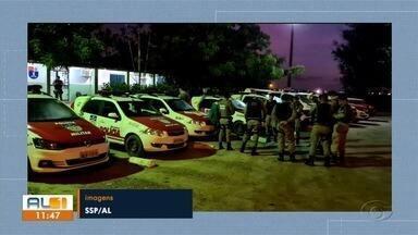 Polícia prende suspeitos de integrar organização criminosa em Maceió e Rio Largo - Três homens e uma mulher foram presos suspeitos de tráficos de drogas.