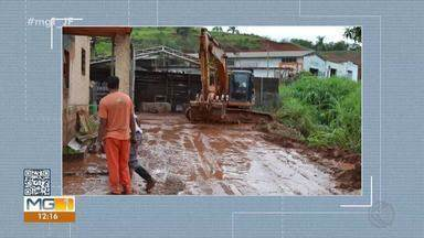 Prefeitura de Viçosa trabalha na limpeza de ruas após chuvas de quarta-feira - A Defesa Civil da cidade registrou 75 mm de chuva, e um córrego transbordou no Bairro Novo Silvestre.