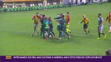 Inter vence no final, mas perde nos pênaltis e está fora da Copa do Brasil - Após a partida, jogadores dos dois times se desentenderam ainda dentro do campo.