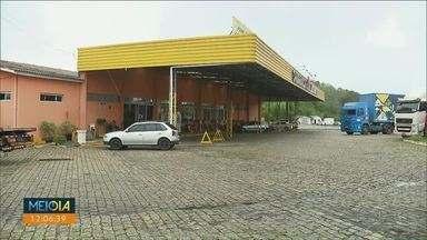 Briga termina em morte em posto de combustíveis em Curitiba - Vítima foi baleada por um vigilante de escolta armada.