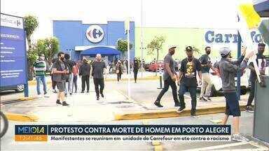 Curitiba teve protesto contra morte de homem em Porto Alegre - Manifestantes se reuniram em unidade do Carrefour em ato contra o racismo.