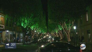 Poços de Caldas recebe turistas com decoração de Natal; pontos turísticos são reabertos - Poços de Caldas recebe turistas com decoração de Natal; pontos turísticos são reabertos
