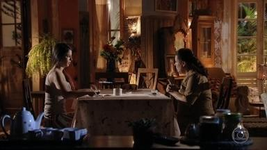Olívia diz a Amaralina que ela deve estudar e trabalhar - A jovem não gosta da ideia de ter que voltar para a escola