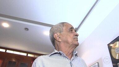Corpo de Francisco Camargo é enterrado em Goiás - Pai de Zezé di Camargo e Luciano tinha 89 anos