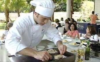 Prova do líder - Chefs precisam preparar cinco refeições para funcionários do Projac.