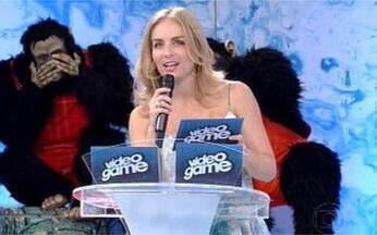 Grazi passa pela prova da mímica no Video Game! - Angélica comanda o Mico Show e coloca Grazi Massafera e Raoni Carneiro na prova mais hilária do programa!