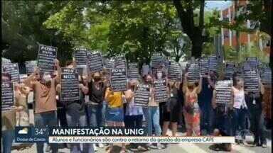 Alunos, funcionários e professores da Unig protestam na unidade de Nova Iguaçu - Eles são contra uma decisão judicial que determina a volta da empresa Cape à gestão da universidade. Segundo os funcionários, durante a administração da empresa eles sofriam com o atraso no pagamento dos salários e dos benefícios.