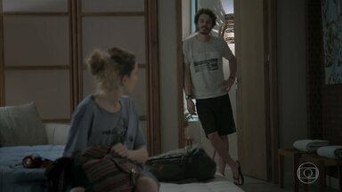 Cláudio e Ivana chegam a Angra dos Reis - Joyce conversa com Simone sobre a viagem da filha com o namorado