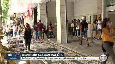Prefeitura de BH prorroga estado de calamidade pública e amplia horário do comércio - A alteração no funcionamento do comércio de Belo Horizonte foi publicada no Diário Oficial, neste sábado (19). Conforme anunciado pelo prefeito Alexandre Kalil (PSD), o setor teve o horário ampliado.