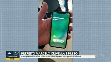 Relembre: Delegado atende ligação de Crivella durante operação na casa de Rafael Alves - Relembre: Delegado atende ligação de Crivella durante operação na casa de Rafael Alves