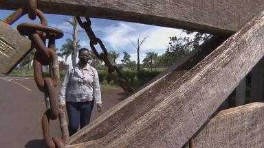 Mulher é libertada em MG após 38 anos vivendo em condições análogas à escravidão - Ela não recebia salário, não tinha direitos, e vivia reclusa, sob a vigilância dos patrões até o fim de novembro, quando foi resgatada de um apartamento no centro de Patos de Minas.