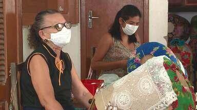 Rendeiras de Ilha Grande encantam turistas de todo o mundo com rendas de bilro - Rendas de Bilro