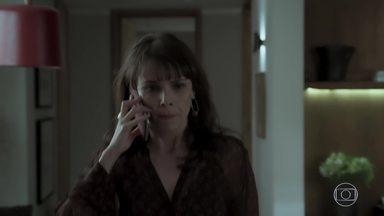 Irene confirma viagem com Eugênio - A arquiteta pensa em uma forma de evitar o encontro com Garcia. Stella entrega ao advogado as passagens para sua viagem com a amante