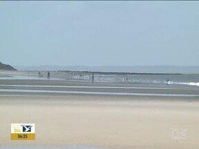 Poluição nas praias segue sendo problema para o setor de turismo em São Luís - Além da pandemia, a sujeira no litoral está afastando os turistas.