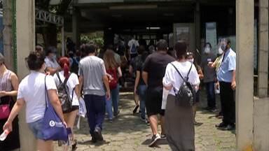 Primeira fase do vestibular da Fuvest reúne estudantes em Mogi das Cruzes - A prova foi realizada na tarde do último domingo (10).