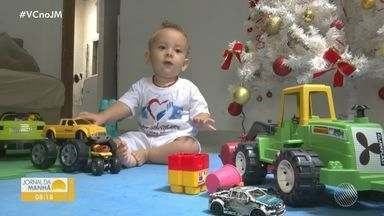 Família de Vitória da Conquista luta para conseguir medicação de R$11 milhões para bebê - Victor tem quase dois anos e precisa de tratamento especial para atrofia muscular espinhal.