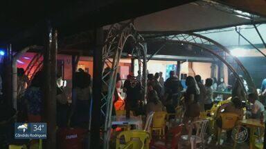 Em Franca, SP, bar desrespeita a fiscalização no fim de semana - O estabelecimento foi notificado na sexta-feira (8). No sábado (9), foi interditado e no domingo (10) foi feito um boletim de ocorrência por desobediência.