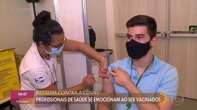 Batalha contra a Covid - Profissionais da saúde tem prioridade e se emocionam ao receber a vacina contra a Covid-19