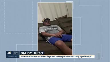 Homem que ateou em fogo em porteiro em Teresópolis será julgado nesta sexta - Crime aconteceu em 2018 na portaria do condomínio Hermitage.