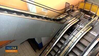 Escada rolante do Terminal Central está em manutenção - Segundo a CMTU, uma peça da escada quebrou e já foi reposta.