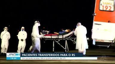 Paciente transferido para RS recebe alta e outros 4 precisam de UTI - Ao todo, 18 pacientes já foram transferidos de Porto Velho para Porto Alegre e Canoas.