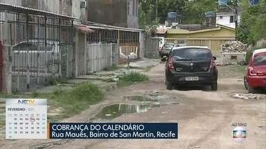 Moradores de San Martin sofrem com esgoto aberto em frente de casa - Problema na Rua Mauês acontece há dez anos, segundo quem mora no local.