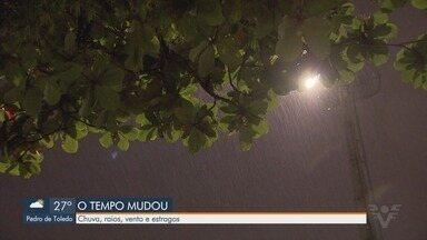 Tempo muda e ventania seguida de chuva causa estragos em cidades da região - Mudança de tempo foi prevista por meteorologista e sentida por moradores da Baixada Santista.