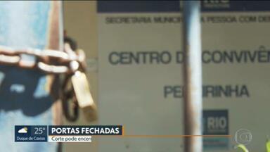 Fechamento de 3 centros de convivência da Prefeitura do Rio preocupa parentes de pacientes - Parentes de pessoas com deficiência que dependem dos centros de Campo Grande, Pechincha e de Bras de Pina foram surpreendidos com a notícia do fechamento das unidades.
