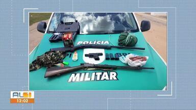 BPA e ICMBio apreendem armas de fogo durante operação em Murici - Operação Curupira combate a caça, guarda, venda e cativeiro de animais silvestres e também a posse e porte ilegal de arma de fogo.