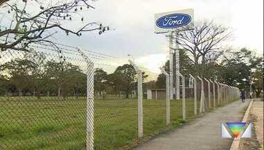 Justiça determina que Ford não demita funcionários em Taubaté - Empresa anunciou saída do Brasil e, com isso, fim das atividades na cidade onde emprega mais de 800 funcionários.