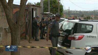 Sequestro relâmpago termina com tiroteio e morte em Campinas - O carro das vítimas foi abordado por um grupo na Rodovia Santos Dumont. Após troca de tiros com a Polícia Militar, um suspeito foi morto, outro foi preso e um terceiro conseguiu fugir.