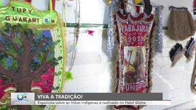 Não tem folia em João Pessoa, mas tem exposições sobre o Carnaval - Os artefatos das trigos indígenas, que desfilam no Carnaval Tradição, estão expostos no Hotel Globo.