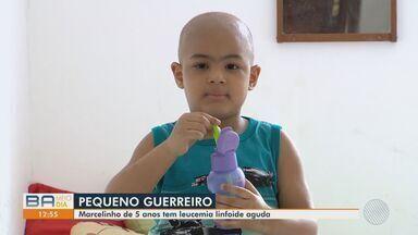 Família de criança com leucemia pede ajuda para fazer transplante de medula - Mãe de Marcelinho de cinco anos, criou vaquinha virtual para pagar a cirurgia.
