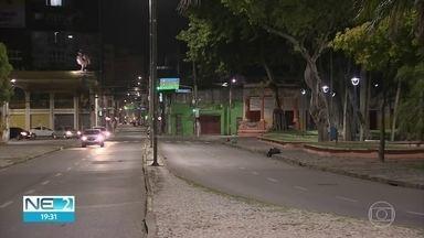 Obra provoca interdição na Rua Imperial, no Centro do Recife - Serviço vai atingir rede de esgoto na região.