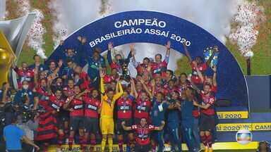 Flamengo é campeão do Campeonato Brasileiro de 2020 - Mesmo após derrota para o São Paulo no Morumbi por 2x1, o Flamengo conquista, mais uma vez, o campeonato brasileiro. Clube repete o feito de 1982 e 1983, quando conquistou dois títulos nacionais seguidos.