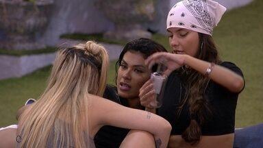 Pocah aponta sobre brother do BBB21: 'Ele está se sentindo só' - Pocah aponta sobre brother do BBB21: 'Ele está se sentindo só'