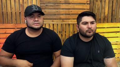 Programa de 25/02/2021 - Felipe e Rodrigo Barão, os Barões da Pisadinha, conversam com Bial sobre osucesso e o ritmo que levam no nome. Em um serviço de streaming, eles foram os mais tocados do mundo na noite de ano novo. Em outro, emplacaram dois hits no ranking mundial