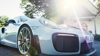 GT2- RS - Esportivo da Porsche com motor de seis cilindros apto a brigar com modelos V8. Mostramos as ideias da engenharia para ganhar performance