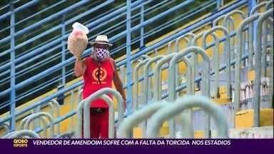 Vendedor de amendoim sofre com a falta da torcida nos estádios - Vendedor de amendoim sofre com a falta da torcida nos estádios