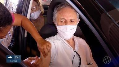 Idosos acima de 80 anos são imunizados contra Covid-19 em Tangará da Serra - Idosos acima de 80 anos são imunizados contra Covid-19 em Tangará da Serra