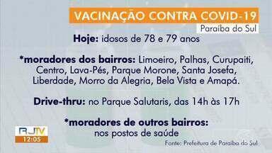 Paraíba do Sul aplica doses da vacina contra Covid-19 em idosos de 78 e 79 anos - Moradores de mais de 10 bairros foram vacinados nesta quinta-feira por sistema drive-thru. Aplicação das doses foi no Parque Salutaris.