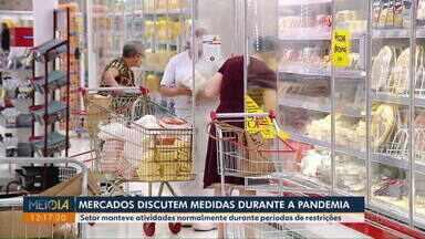 Mercados discutem medidas de controle durante a pandemia - Setor manteve atividades normalmente durante períodos de restrições.