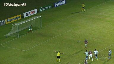 Ivan, lateral-direito, deixa o Caxias e é negociado com Goiás para jogar a Série B - Assista ao vídeo.