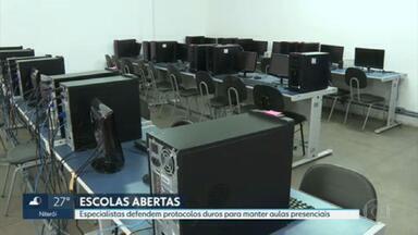 Escolas permanecem abertas mesmo com endurecimento das medidas contra a Covid19 - Especialistas defendem permanência de aulas presenciais, mas com protocolos rígidos.