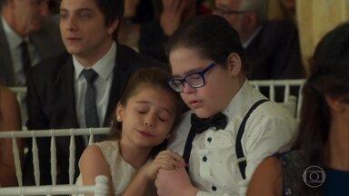 Beto e Tancinha correm o risco de perder a guarda das crianças - Nair também fica preocupada com as crianças