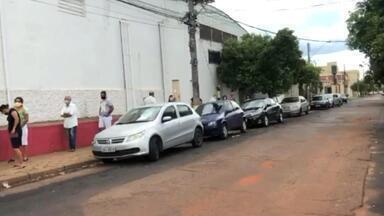 """Prefeitura de Rio Preto diz que 'lockdown' começa na quarta-feira - A partir da meia-noite de quarta-feira (17) passa a valer o """"lockdown"""" em São José do Rio Preto (SP), segundo a prefeitura. A medida foi aprovada em uma reunião de emergência realizada no domingo (14) e tem o objetivo de tentar conter o avanço da Covid-19 no município."""