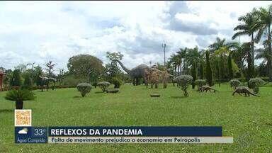 Reflexos da pandemia prejudicam a economia do bairro rural de Peirópolis em Uberaba - Local é ponto turístico do município por causa dos dinossauros e doces. Alguns comerciantes registraram 80% de quedas nas vendas.