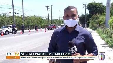 Prefeitura de Cabo Frio faz reunião para discutir medidas restritivas para próxima semana - Medidas serão para tentar impedir movimentação grande de turistas durante superferiado no Rio de Janeiro.
