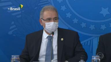 Apesar da falta de vacinas, Queiroga promete aplicar 1 milhão de doses por dia - O ministro da Saúde, Marcelo Queiroga, não estabeleceu um prazo nem mencionou a redução da previsão de entrega de doses em abril.